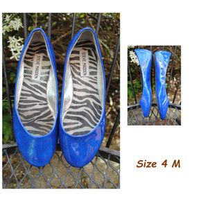 STEVE MADDEN Blue Patent-Zebra Heaven Flats Sz 4M